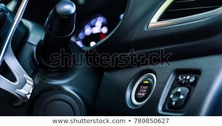 Foto stock: Hombre · empujando · motor · inicio · botón · ignición