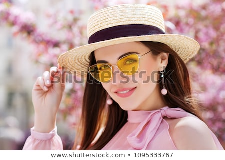 genç · kız · yaz · şapka · zaman · park - stok fotoğraf © deandrobot