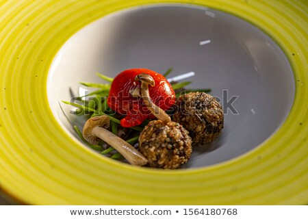 Stockfoto: Matzo Balls With Crunchy Pea Pods