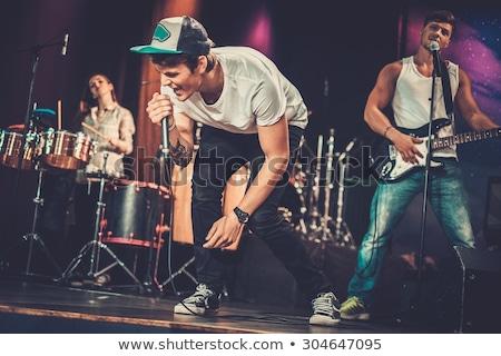 Giovani rock band musica muro capelli graffiti Foto d'archivio © photography33