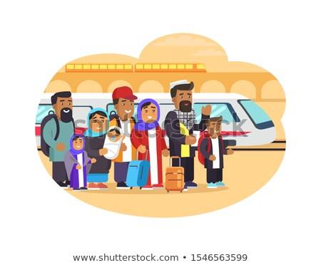 Rodziny bagaż stacja kolejowa bezdomnych ludzi arabskie Zdjęcia stock © robuart