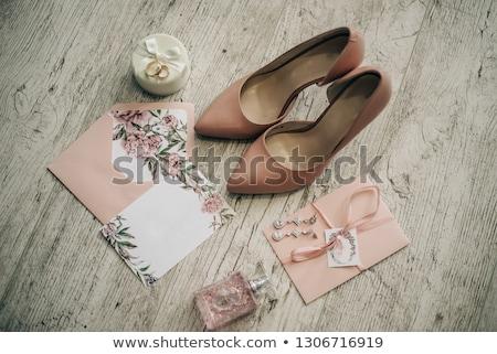 Menyasszonyi cipők virágcsokor meghívó űr szöveg Stock fotó © ruslanshramko