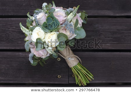 Menyasszonyi virágcsokor rózsák fából készült deszkák esküvő Stock fotó © ruslanshramko