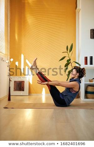 nő · gyakorol · csónak · póz · jóga · testmozgás - stock fotó © rognar