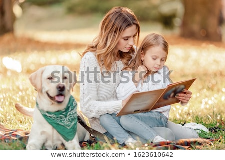 Stock foto: Mutter · Tochter · Hund · Frau · Familie · Kind