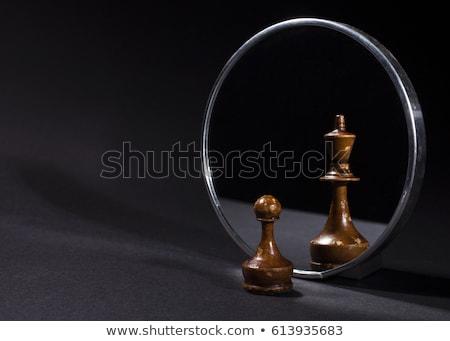 rei · do · xadrez · branco · xadrez · preto · sucesso · jogar - foto stock © creisinger