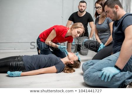 Primeiro socorro treinamento sério ferimento meninas braço Foto stock © wellphoto