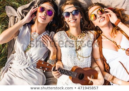 filles · trois · jeunes · courir · blanche · robes - photo stock © runzelkorn
