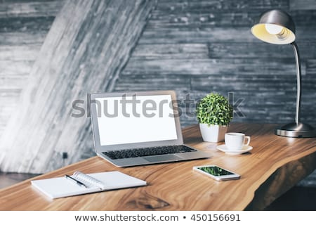 Bureau lamp lege houten kantoor tabel Stockfoto © stevanovicigor