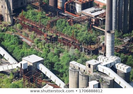 Opuszczony przemysłowych wieża Fotografia starych niebo Zdjęcia stock © tracer