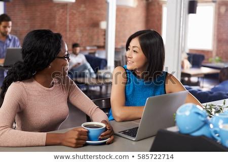 dwa · biznesmenów · przedsiębiorców · działalności · spotkanie · pióro - zdjęcia stock © is2