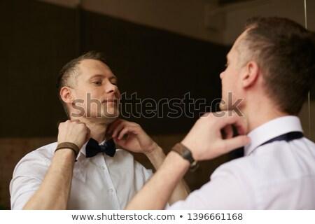 Gentleman · schwarz · Krawatte · tragen · Hände - stock foto © feedough