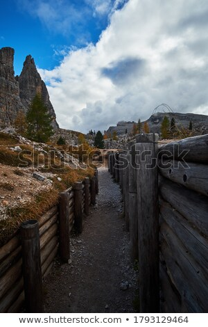 Trincheira ruínas alpino caminho primeiro mundo Foto stock © Antonio-S