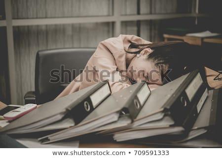 疲れ · 小さな · ビジネス女性 · 書類 · デスク · ビジネス - ストックフォト © HASLOO