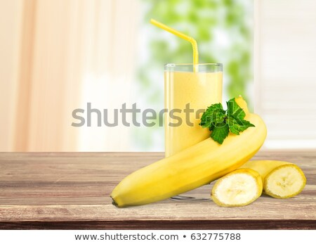 geïsoleerd · banaan · sap · vruchten · dieet · schudden - stockfoto © m-studio