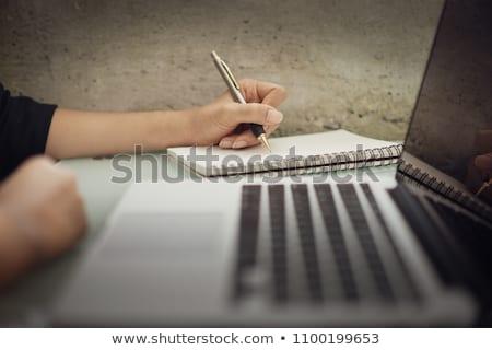 empresário · notas · jovem · sessão · tabela - foto stock © hasloo