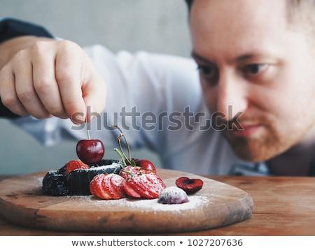 Hombre desayuno bandeja casa cocina frutas Foto stock © wavebreak_media