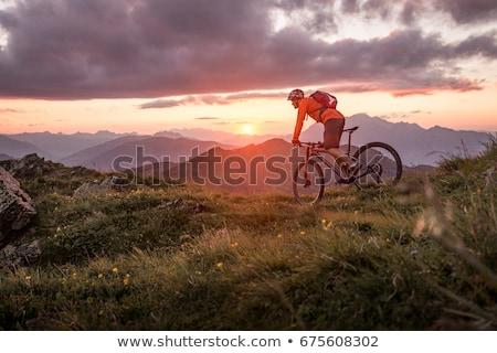 Moto ir de excursión camino montanas senderismo Foto stock © dnsphotography
