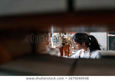 Nő köt tűk minta áll csekk Stock fotó © IS2