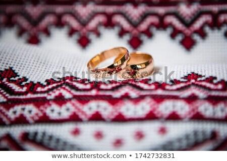 Anéis de casamento símbolo Ucrânia passaporte casamento coração Foto stock © ruslanshramko