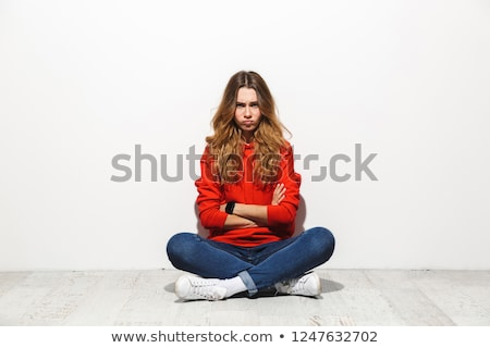gondolkodik · nő · ül · padló · izolált · fehér - stock fotó © deandrobot