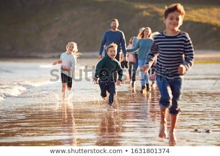 Stok fotoğraf: Mutlu · aile · yürüyüş · sonbahar · plaj · aile · boş