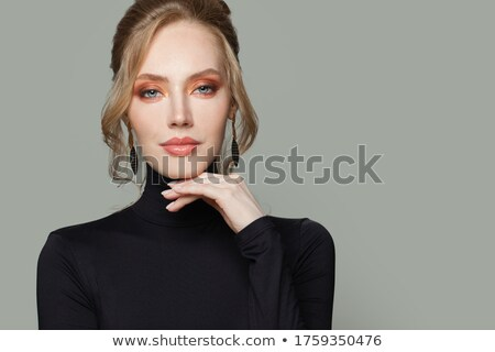 Stok fotoğraf: Genç · güzel · sarışın · kadın · şık · makyaj