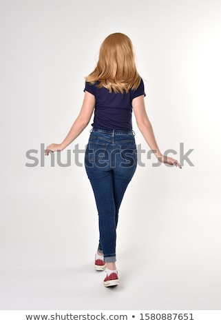 piernas · rojo · zapatos · mujeres · jóvenes - foto stock © ruslanomega