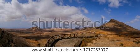 Dağ manzara açmak alan kullanılmış Stok fotoğraf © ottoduplessis