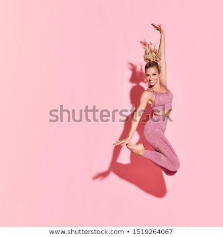 Fitness woman poz stüdyo seksi eğitim dambıl Stok fotoğraf © NeonShot
