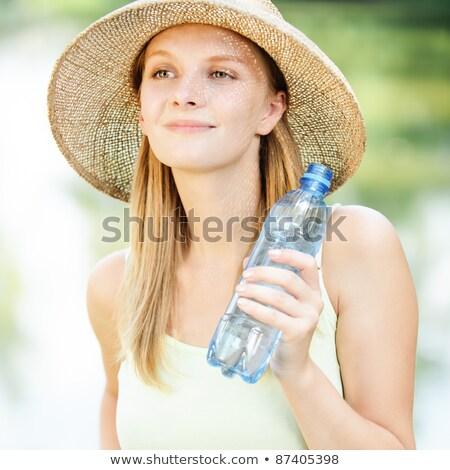 Stok fotoğraf: Dalgın · kadın · şişe · kısa · elbise