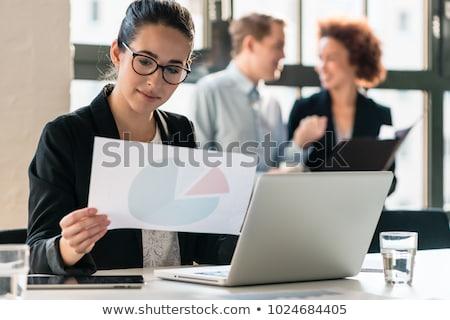 два · современный · финансовых · данные · бумаги · таблетка - Сток-фото © pressmaster