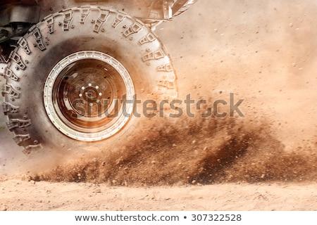 Voertuig terrein bladeren helling verticaal water Stockfoto © frank11