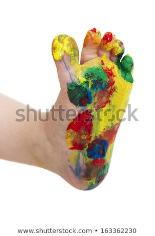 Jonge kind verf voeten lopen rond Stockfoto © gewoldi
