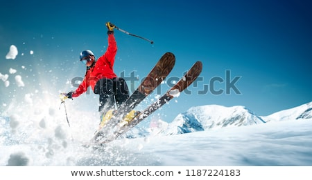 Ekstremalnych narciarz skok wysoki góry człowiek Zdjęcia stock © smuki