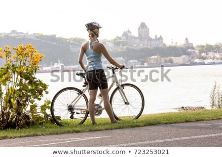 Stockfoto: Jonge · vrouw · fiets · buiten · Quebec · gelukkig
