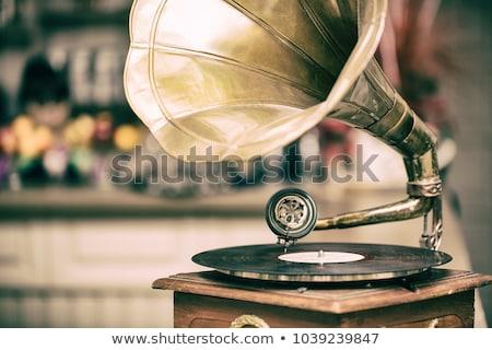 Velho gramofone latão dourado música metal Foto stock © lunamarina