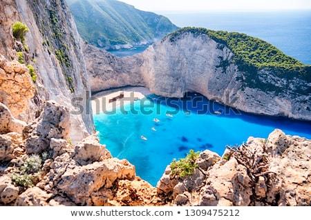 Turisták hajóroncs tengerpart gyönyörű úszik csónak Stock fotó © Mps197