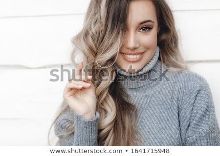 Gyönyörű nő fehér tél kalap piros ajkak hosszú Stock fotó © lubavnel