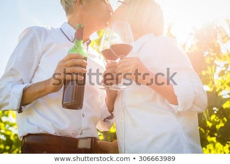 casal · degustação · vinho · vinícola · mulher · madeira - foto stock © sumners