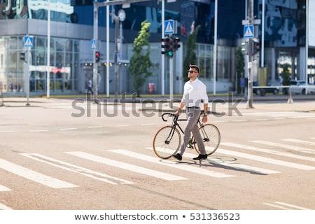 Młody człowiek ustalony narzędzi rower przejście dla pieszych ludzi Zdjęcia stock © dolgachov