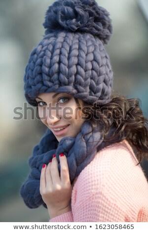 Vrouw straat wol gebreid sjaal Stockfoto © ElenaBatkova