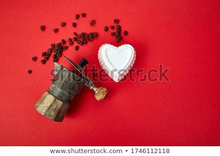 Koffiezetapparaat koffiebonen Rood bonen koffie liefde Stockfoto © Illia
