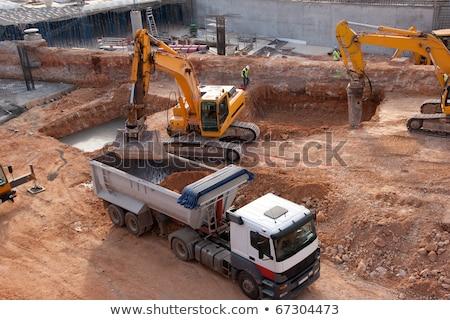 Grande caminhão edifício estrada construção Foto stock © vapi