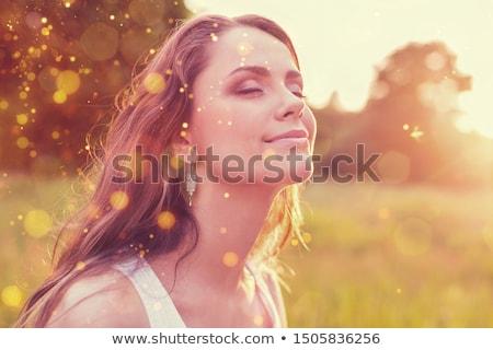 Romántica feliz posando hermosa jóvenes Foto stock © Bananna