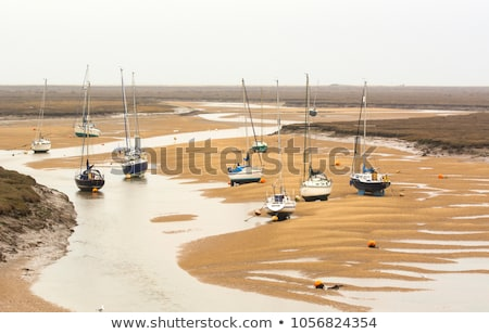 bateau · faible · marée · espagnol · rivière · roches - photo stock © petrmalyshev