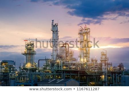 raffinaderij · avond · plant · pijpen · koeling - stockfoto © brianguest