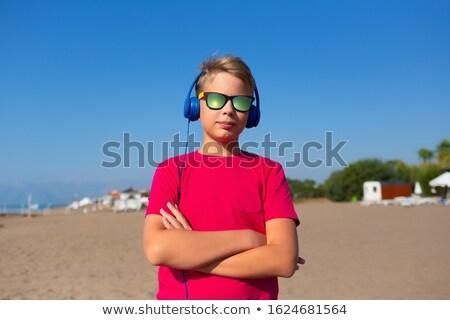 fiú · zenét · hallgat · rajz · hatás · pillangó · hullám - stock fotó © lopolo