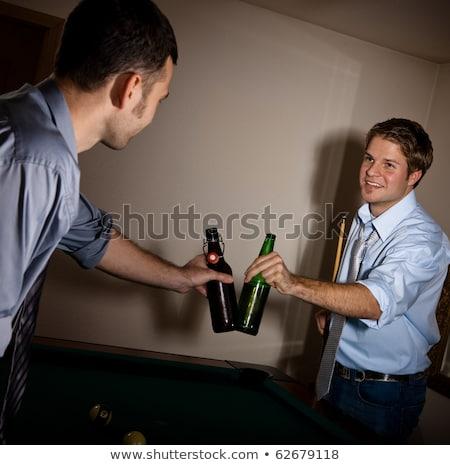 Biljart knap speler man drinken alcohol Stockfoto © lunamarina
