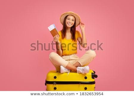 женщину · Солнцезащитные · очки · ждет · чемодан · бизнеса · лице - Сток-фото © steevy84